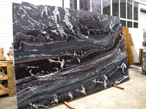 Облицовочная плита Гранит Нигрозеро (Гранатовый амфиболит)